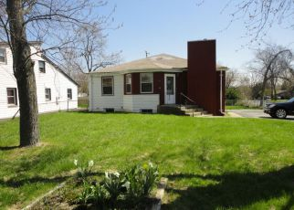 Pre Foreclosure in Waukegan 60087 N LEWIS AVE - Property ID: 1761252588