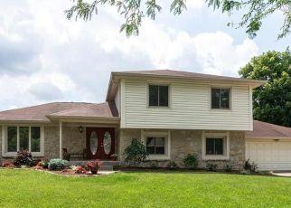 Pre Foreclosure in Carmel 46033 EDEN WAY CIR - Property ID: 1761359900
