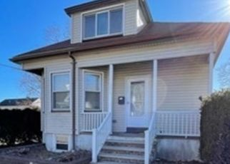 Pre Foreclosure in South Dartmouth 02748 POTTER ST - Property ID: 1761974816
