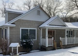 Pre Foreclosure in Mahopac 10541 SHEAR HILL RD - Property ID: 1762364154