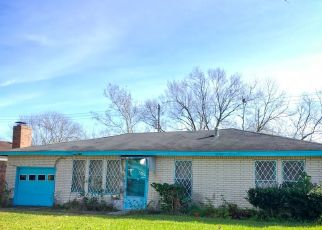Pre Foreclosure in Houston 77033 CHAIN ST - Property ID: 1762496430