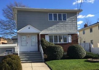 Pre Foreclosure in Staten Island 10314 TREMONT AVE - Property ID: 1762641847