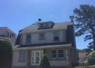 Pre Foreclosure in Hempstead 11550 OAK AVE - Property ID: 1763102139