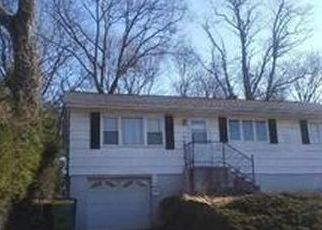 Pre Foreclosure in Waterbury 06704 BENEFIT ST - Property ID: 1763239228