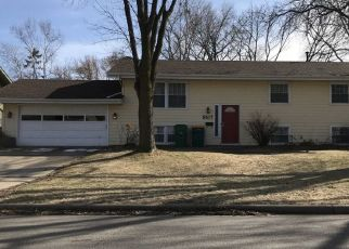 Pre Foreclosure in Minneapolis 55427 33RD AVE N - Property ID: 1763289609