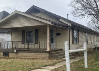 Pre Foreclosure in Shelbyville 46176 JEFFERSON AVE - Property ID: 1763611514