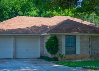 Pre Foreclosure in San Antonio 78239 ROYAL CRK - Property ID: 1764233885