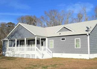 Pre Foreclosure in Aydlett 27916 CHARLES LN - Property ID: 1764694625