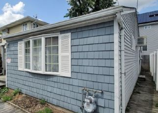 Pre Foreclosure in East Rockaway 11518 EDWIN CT - Property ID: 1764894334