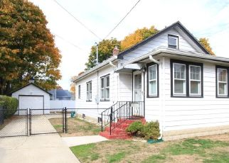 Pre Foreclosure in Copiague 11726 COPIAGUE PL - Property ID: 1764898724