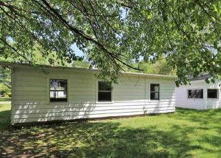 Pre Foreclosure in Elkhart 46514 MIDLAND DR - Property ID: 1765615239