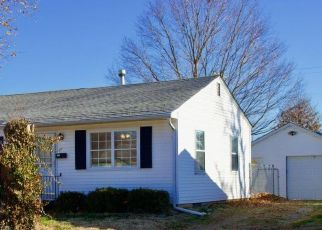 Pre Foreclosure in Carbondale 62901 S ILLINOIS AVE - Property ID: 1765639780