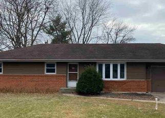 Pre Foreclosure in Machesney Park 61115 GENTIAN DR - Property ID: 1766411481