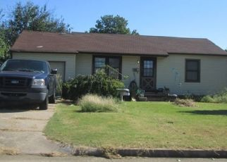 Pre Foreclosure in Tulsa 74135 S KNOXVILLE AVE - Property ID: 1767521755