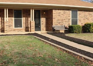 Pre Foreclosure in Burleson 76028 PARKVIEW DR - Property ID: 1767729341
