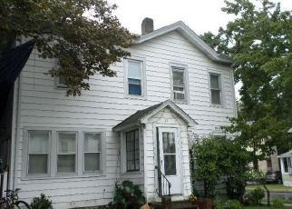 Pre Foreclosure in Middletown 10940 LAKE AVE - Property ID: 1767892717