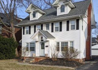 Pre Foreclosure in Cleveland 44118 WASHINGTON BLVD - Property ID: 1768121328