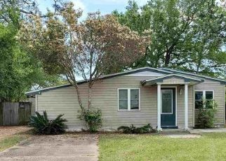 Pre Foreclosure in Pensacola 32526 KIMBERLY DR - Property ID: 1768967948