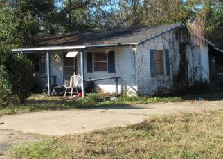Pre Foreclosure in Chipley 32428 MAIN ST - Property ID: 1769125610