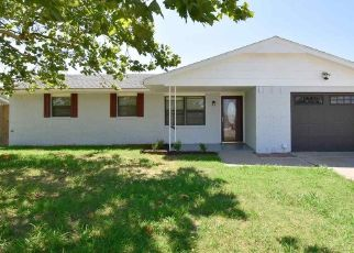 Pre Foreclosure in Lawton 73505 SW 70TH ST - Property ID: 1769165912