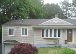 Pre Foreclosure in Waterbury 06704 FLORAL NOOK - Property ID: 1769566202