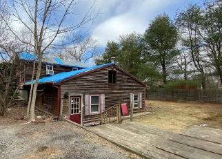 Pre Foreclosure in North Scituate 02857 LIBERTY LN - Property ID: 1769829879