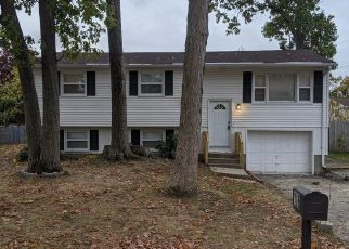 Pre Foreclosure in North Providence 02911 STELLA DR - Property ID: 1769837314