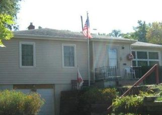 Pre Foreclosure in Omaha 68104 N 55TH AVE - Property ID: 1770163155
