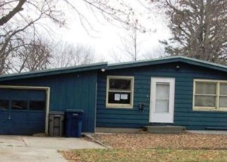 Pre Foreclosure in Spencer 51301 E 10TH ST - Property ID: 1770193382