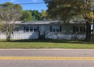 Pre Foreclosure in Plant City 33566 CORONET RD - Property ID: 1770457488