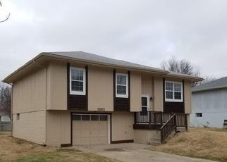 Pre Foreclosure in Harrisonville 64701 PARKWOOD DR - Property ID: 1770925234