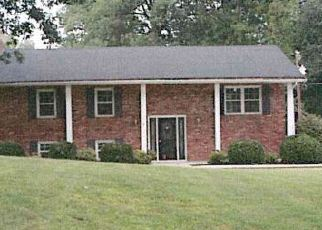 Pre Foreclosure in Madisonville 42431 TUCKER SCHOOLHOUSE RD - Property ID: 1771134147