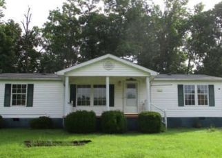 Pre Foreclosure in Flemingsburg 41041 MOREHEAD RD - Property ID: 1771397821