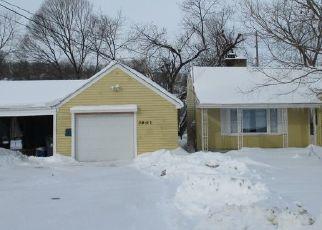 Pre Foreclosure in Cedar Rapids 52402 CENTER POINT RD NE - Property ID: 1771434606