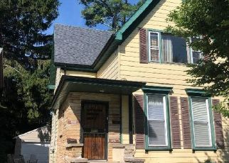 Pre Foreclosure in Racine 53403 CENTER ST - Property ID: 1771502492
