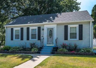 Pre Foreclosure in Davenport 52804 W PLEASANT ST - Property ID: 1772010545