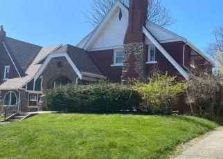 Pre Foreclosure in Cincinnati 45229 EATON LN - Property ID: 1772238282