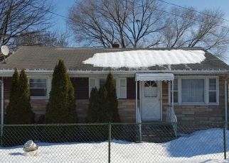 Pre Foreclosure in Avenel 07001 CHESTNUT ST - Property ID: 1772562388