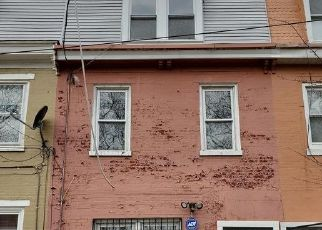 Pre Foreclosure in Camden 08102 N 5TH ST - Property ID: 1772580341