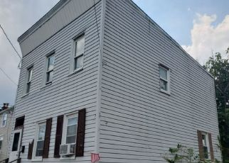 Pre Foreclosure in Newark 07103 JACOB ST - Property ID: 1772628974