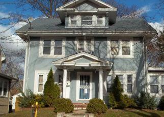 Pre Foreclosure in Newark 07112 WEEQUAHIC AVE - Property ID: 1772630717