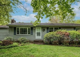 Pre Foreclosure in Milford 08848 WOOLF RD - Property ID: 1772695534