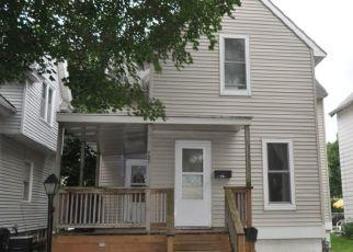 Pre Foreclosure in Cedar Rapids 52404 9TH AVE SW - Property ID: 1773111611