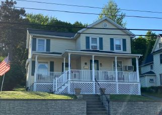 Pre Foreclosure in Olyphant 18447 S VALLEY AVE - Property ID: 1774024339