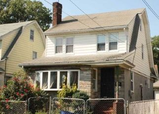 Pre Foreclosure in Queens Village 11429 211TH PL - Property ID: 1774151355