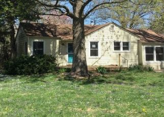 Pre Foreclosure in Kansas City 64133 E 68TH ST - Property ID: 1774457953