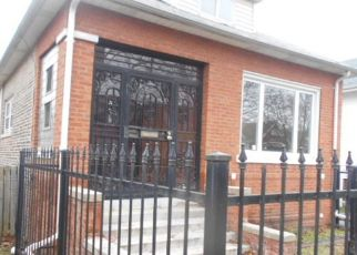 Pre Foreclosure in Chicago 60617 S ESSEX AVE - Property ID: 1775510388