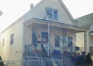Pre Foreclosure in Chicago 60617 S AVENUE G - Property ID: 1775518269