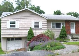 Pre Foreclosure in Wanaque 07465 WOLFE DR - Property ID: 1776576421