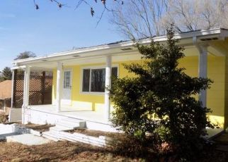 Pre Foreclosure in Kingsport 37665 MULLINS ST - Property ID: 1776616271